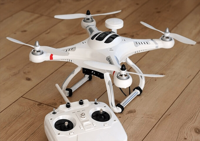 quadrocopter-1033642_640_R_R
